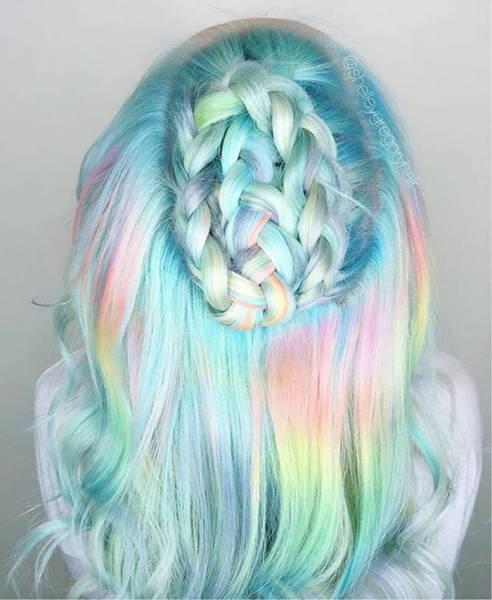 虹のような髪の毛の女の子の画像(6枚目)