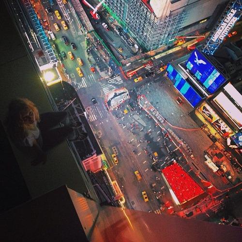 とりあえず高い所に来たので記念撮影をした写真が高すぎて本当に怖いwwの画像(18枚目)