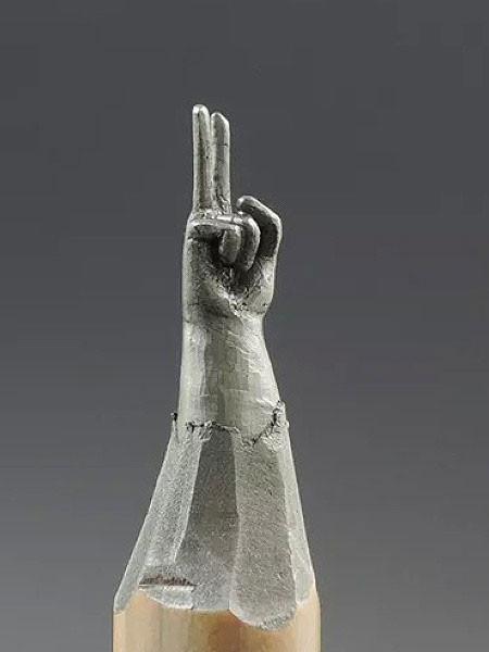 新作!?鉛筆の芯で作る彫刻が凄いwwwの画像(7枚目)