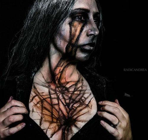 女性のメイクが怖すぎる!化粧のみで怖すぎる女性のメイクの画像の数々!!の画像(20枚目)