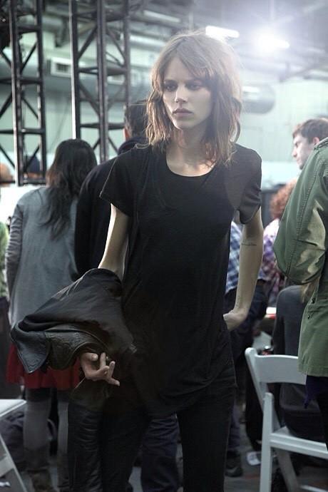 ちょっとくだけた感じの女性モデルの写真あれこれ!の画像(20枚目)