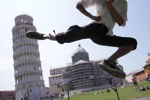 ピサの斜塔の記念撮影の画像(1枚目)