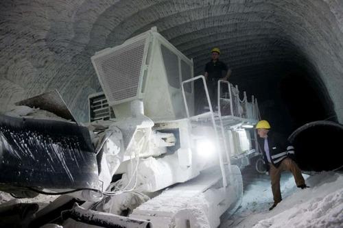 塩の洞窟!シチリア島にある岩塩の鉱山が神秘的で凄い!!の画像(2枚目)