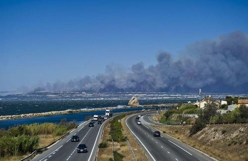 フランスのマルセイユの山火事の画像(25枚目)