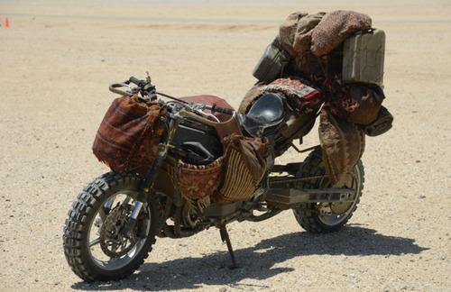 【画像】映画マッドマックスに出ていたバイクが凄い事になっている!の画像(4枚目)