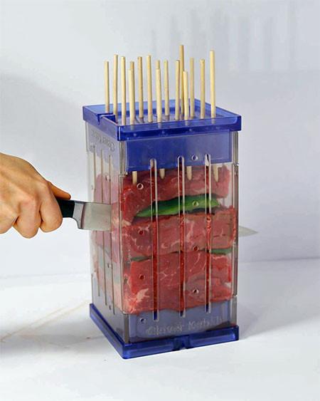 バーベキューの串焼き肉の画像(4枚目)
