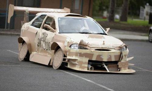 【画像】とりあえず目を引く!かっこ良かったり悪かったりする自動車のカスタム!!の画像(18枚目)