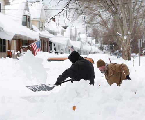 【画像】大雪のニューヨークで日常生活が大変な事になっている様子!の画像(32枚目)