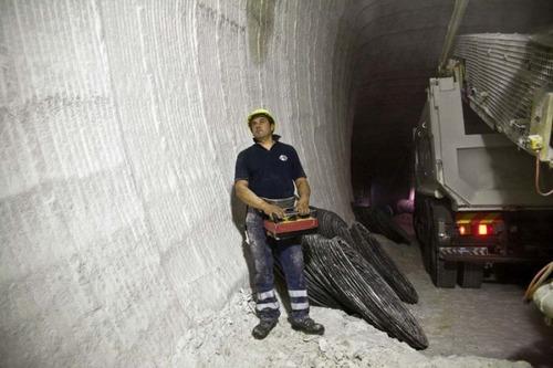 塩の洞窟!シチリア島にある岩塩の鉱山が神秘的で凄い!!の画像(21枚目)