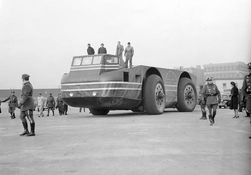 【画像】ずっと昔に作られた南極探索用の自動車がなんだか凄い!の画像(4枚目)