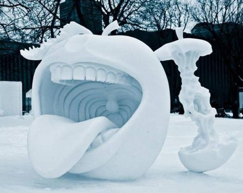 【画像】海外の雪祭りとか色々な雪像がやっぱ海外って感じで面白いwwwの画像(24枚目)