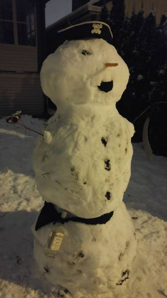 面白い雪だるまの画像(4枚目)