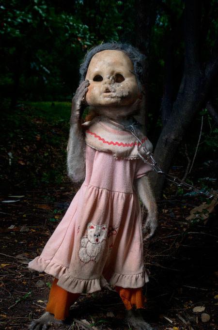 【画像】サルにマスクを被せたら凄まじく怖くなったwwwの画像(11枚目)