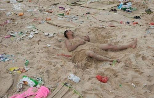 中国の海水浴場の画像(1枚目)