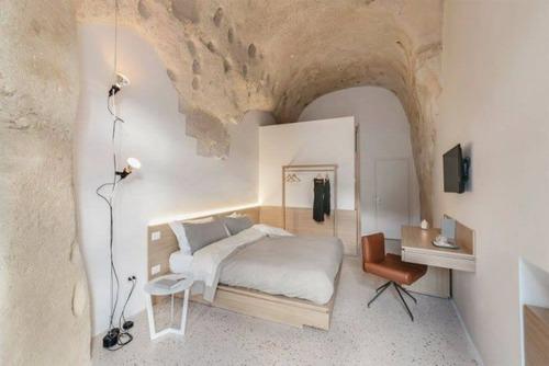 イタリアの洞窟がそのまま住宅街の画像(3枚目)