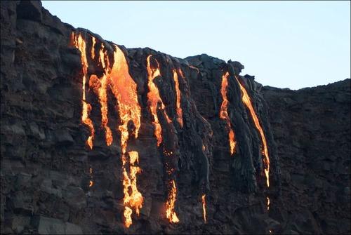 キラウエア火山から海に流込む溶岩の画像(19枚目)