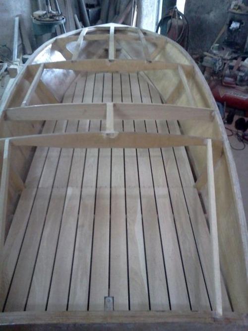 木製のボートの画像(10枚目)