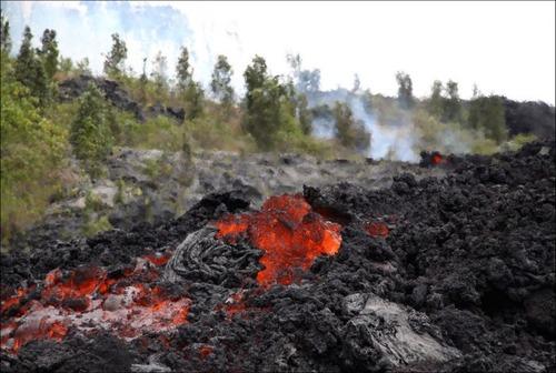 キラウエア火山から海に流込む溶岩の画像(7枚目)