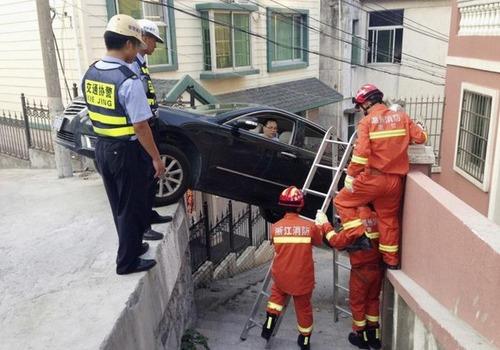 悲惨すぎる自動車のトラブルの画像(12枚目)