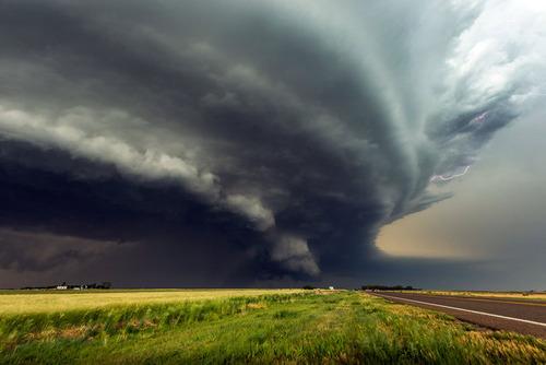 幻想的で恐ろしい!嵐が起こっている空を映した写真の数々!!の画像(18枚目)