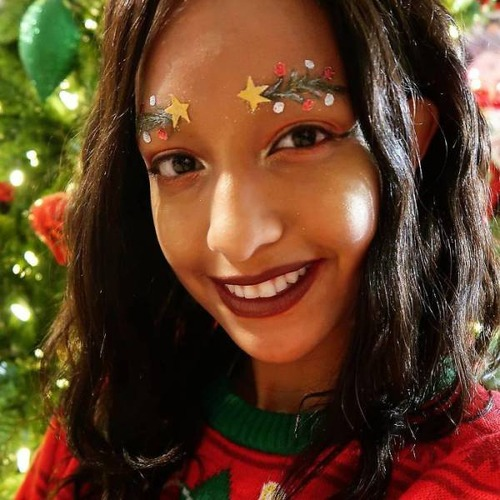 クリスマスをイメージした眉毛のメイクの画像(12枚目)
