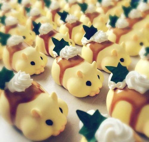 【画像】本物のハムスターそっくりで本物より可愛いハムスターのケーキが凄いwwwの画像(2枚目)