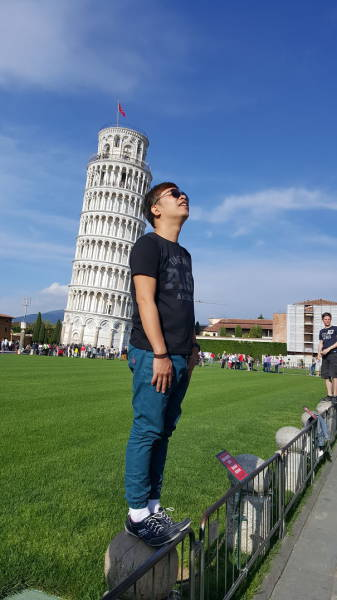 ピサの斜塔の記念撮影の画像(10枚目)
