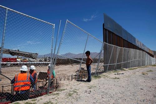 アメリカとメキシコの間の壁の画像(13枚目)