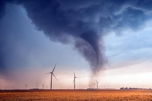 幻想的で恐ろしい!嵐が起こっている空を映した写真の数々!!の画像(14枚目)