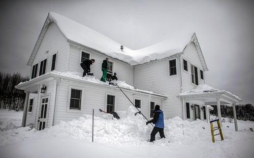 【画像】大雪のニューヨークで日常生活が大変な事になっている様子!の画像(28枚目)