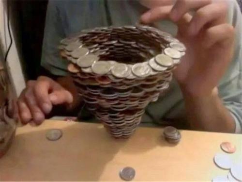 コインを使ったアート作品の画像(3枚目)