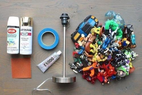 【画像】思い出の玩具で作るカッコいい卓上ライト!!の画像(1枚目)
