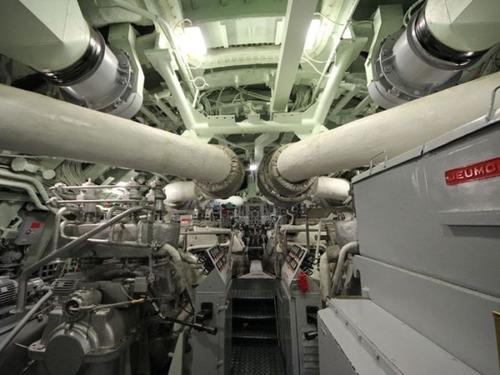 原子力潜水艦の内部の画像(7枚目)