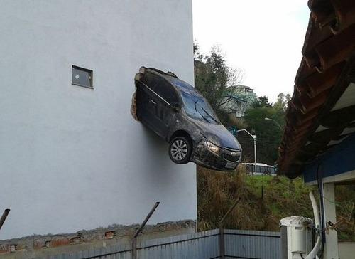 悲惨すぎる自動車のトラブルの画像(20枚目)