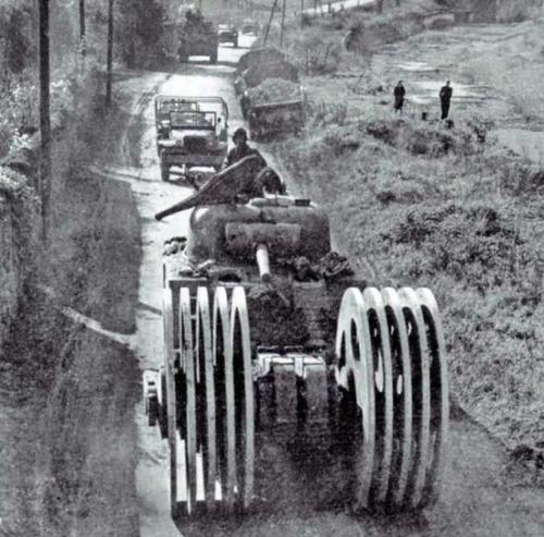 撤去は大変…昔の地雷処理戦車の画像の数々!!の画像(10枚目)