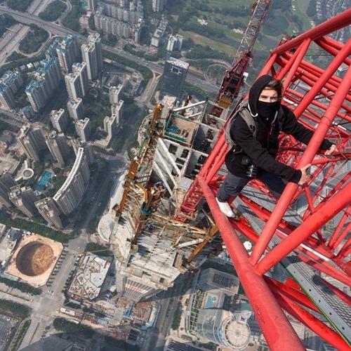 とりあえず高い所に来たので記念撮影をした写真が高すぎて本当に怖いwwの画像(21枚目)