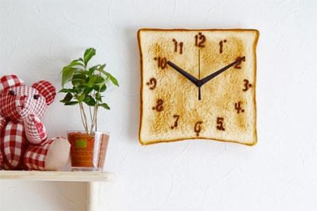 食パンの時計の画像(1枚目)