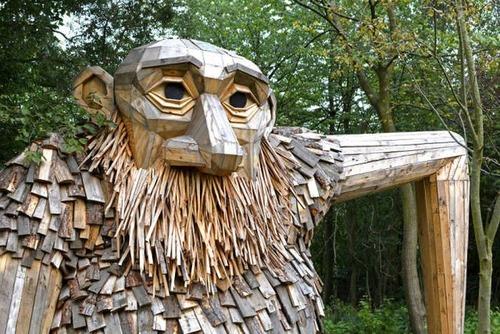 木でできた森の中の巨人の画像(17枚目)