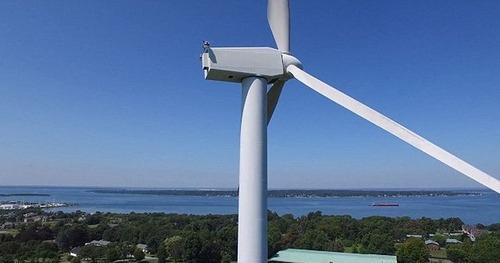 ドローンで撮影!発電用の巨大風車を上から撮影した驚愕の写真!の画像(1枚目)