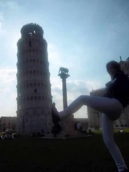ピサの斜塔の記念撮影の画像(6枚目)