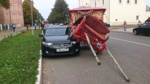 どうしてそうなった?何だか凄まじい事になっている自動車事故の画像の数々!の画像(5枚目)