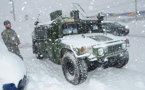 【画像】大雪のニューヨークで日常生活が大変な事になっている様子!の画像(36枚目)