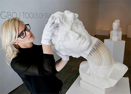 【画像】伸びたり縮んだり!スーパーカオス彫像アートの数々!!の画像(15枚目)