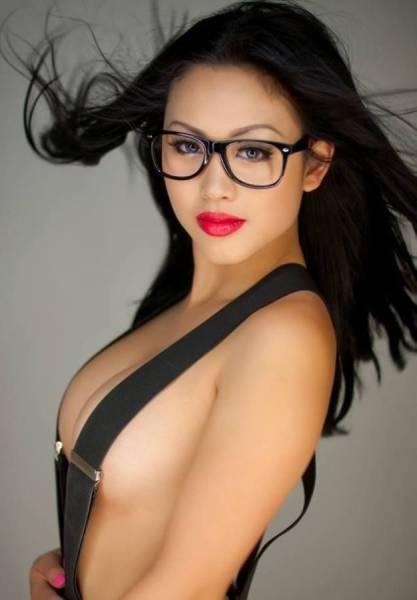 眼鏡が似合う綺麗なお姉さんの画像の数々!!の画像(34枚目)