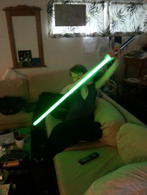 【画像】自作のライトセーバーがお手軽そうでカッコ良い!!の画像(12枚目)