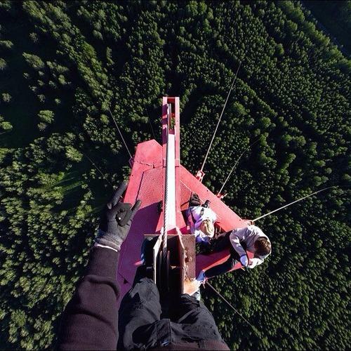 とりあえず高い所に来たので記念撮影をした写真が高すぎて本当に怖いwwの画像(25枚目)