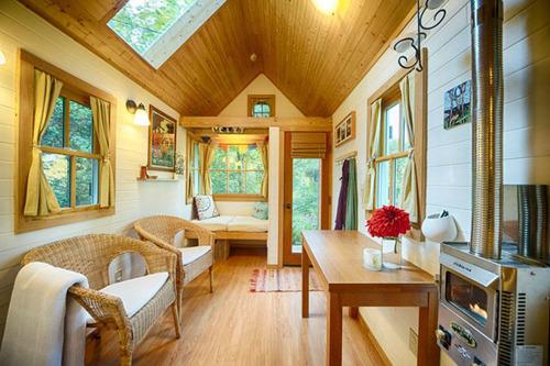 小さな小屋にロマンがぎっしり!大自然の中のコテージが凄い!!の画像(17枚目)