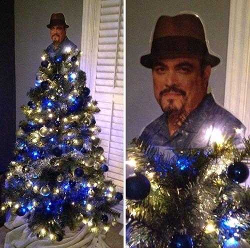 カオスなクリスマスツリーの上の飾りの画像(4枚目)