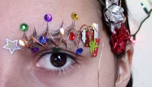 クリスマスをイメージした眉毛のメイクの画像(7枚目)