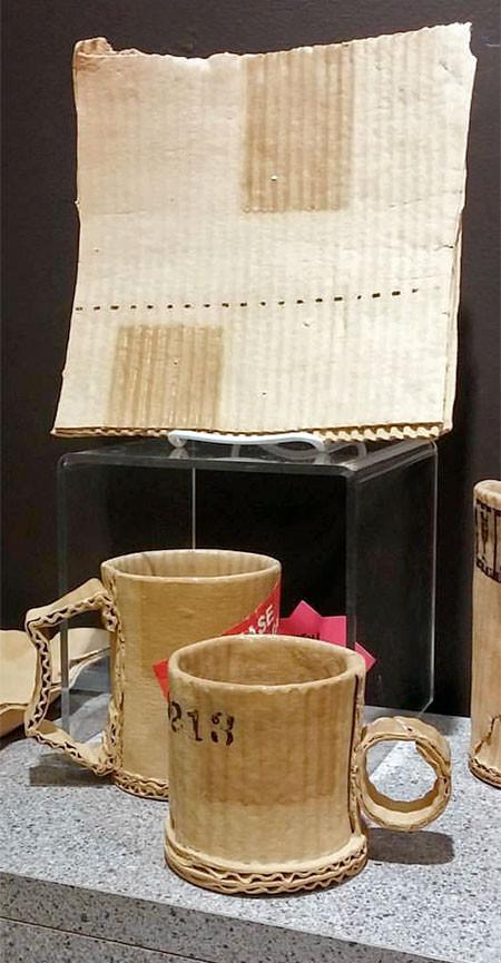 ダンボール製のようなマグカップの画像(2枚目)